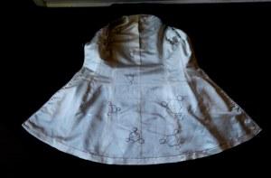 embroidered silk duchesse satin lining.